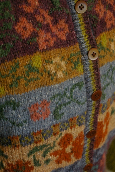 A combination of stranded colourwork and intarsia