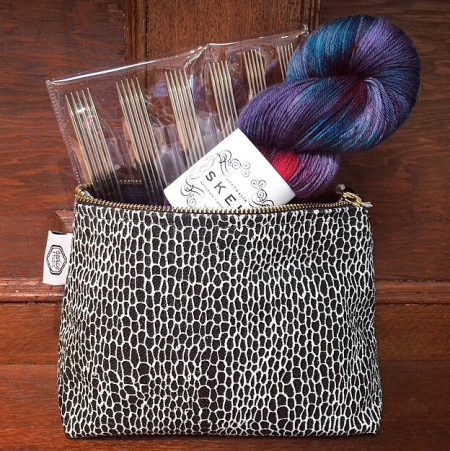 Entwine zip pouch